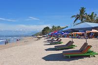 バリ島クタビーチの海岸 10685004919  写真素材・ストックフォト・画像・イラスト素材 アマナイメージズ