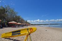 バリ島クタビーチの海岸 10685004921| 写真素材・ストックフォト・画像・イラスト素材|アマナイメージズ