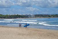 バリ島クタビーチの海岸 10685004923| 写真素材・ストックフォト・画像・イラスト素材|アマナイメージズ