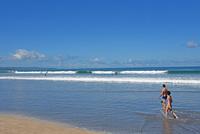 バリ島クタビーチの海岸 10685004926| 写真素材・ストックフォト・画像・イラスト素材|アマナイメージズ