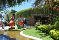 バリ島人気ショッピングモールのビーチウォーク 10685004934| 写真素材・ストックフォト・画像・イラスト素材|アマナイメージズ
