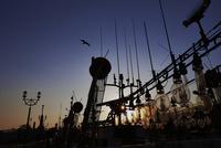 幣舞橋とイカ釣り漁船イメージ
