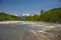 月山と寒河江川