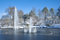雪晴れの噴水