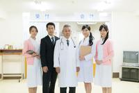 男女医療スタッフ