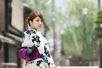 京都の浴衣女性
