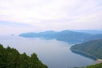 奥琵琶湖 葛籠尾崎と竹生島を望む