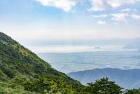 伊吹山から見た近江平野と琵琶湖・竹生島