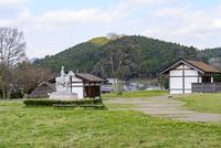 阿騎野・人麻呂公園 10737000385| 写真素材・ストックフォト・画像・イラスト素材|アマナイメージズ