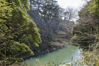 伊賀上野城石垣と堀 10737000410| 写真素材・ストックフォト・画像・イラスト素材|アマナイメージズ