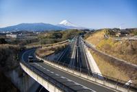 伊豆縦貫自動車道と富士山