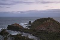 モーニントン半島、シャンク岬(Cape Schanck)の夕景 10743000076| 写真素材・ストックフォト・画像・イラスト素材|アマナイメージズ