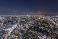 六本木ヒルズ展望台より望む東京の夜景(スカイツリーと東京タワーを含む)