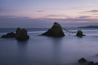 二見興玉神社の夫婦岩、屏風岩、烏帽子岩および獅子岩