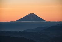 高ボッチより望む富士山 10743000199| 写真素材・ストックフォト・画像・イラスト素材|アマナイメージズ