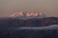 高ボッチより望む御嶽山 10743000211| 写真素材・ストックフォト・画像・イラスト素材|アマナイメージズ