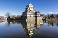 松本城 10743000228| 写真素材・ストックフォト・画像・イラスト素材|アマナイメージズ