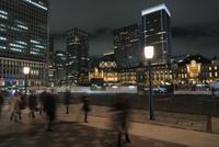 夜の東京駅丸の内口 10743000255| 写真素材・ストックフォト・画像・イラスト素材|アマナイメージズ