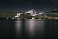 若洲海浜公園より望む東京ゲートブリッジ 10743000325| 写真素材・ストックフォト・画像・イラスト素材|アマナイメージズ