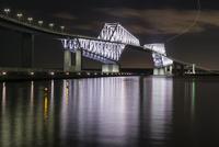 若洲海浜公園より望む東京ゲートブリッジ 10743000326| 写真素材・ストックフォト・画像・イラスト素材|アマナイメージズ