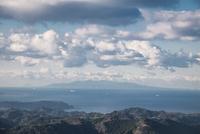 房総半島の富山より望む伊豆大島 10743000380| 写真素材・ストックフォト・画像・イラスト素材|アマナイメージズ