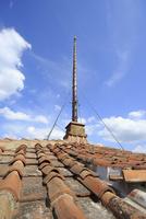歴史的建造物の避雷針 10763001041| 写真素材・ストックフォト・画像・イラスト素材|アマナイメージズ