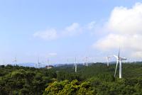 青山高原の風車群 10763001140  写真素材・ストックフォト・画像・イラスト素材 アマナイメージズ