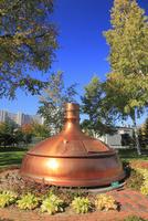 サッポロビール園 ビール醸造に使用されていた銅釜のオブジェ