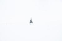 雪の中のクリスマスツリーの木 10770000049| 写真素材・ストックフォト・画像・イラスト素材|アマナイメージズ