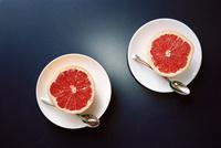 朝食のグレープフルーツ