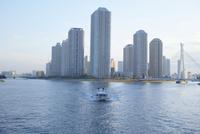 運河と船 10770000408  写真素材・ストックフォト・画像・イラスト素材 アマナイメージズ
