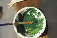 緑の絵の具