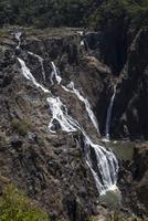 キュランダ鉄道の途中駅から見えるバロン滝3 10770000544| 写真素材・ストックフォト・画像・イラスト素材|アマナイメージズ