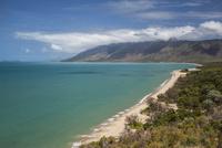 ケアンズ郊外のビーチ 10770000545| 写真素材・ストックフォト・画像・イラスト素材|アマナイメージズ