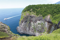 フレペの滝と観光船 10790000976  写真素材・ストックフォト・画像・イラスト素材 アマナイメージズ