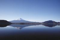 河口湖から望む朝の富士山 10790003678| 写真素材・ストックフォト・画像・イラスト素材|アマナイメージズ