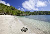 小笠原父島のコペペ海岸 10790007285| 写真素材・ストックフォト・画像・イラスト素材|アマナイメージズ