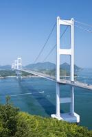 瀬戸内海に架かる来島海峡大橋