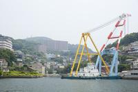 海上から眺める三菱重工株式会社長崎造船所