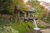 紅葉の大川内山 10790011666| 写真素材・ストックフォト・画像・イラスト素材|アマナイメージズ