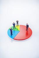 ビジネスマン円グラフイメージ