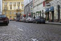プラハ旧市街の石畳の道 10826000611  写真素材・ストックフォト・画像・イラスト素材 アマナイメージズ