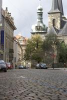 プラハ旧市街の石畳の道 10826000647  写真素材・ストックフォト・画像・イラスト素材 アマナイメージズ