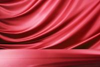 赤のドレープ 10826000683| 写真素材・ストックフォト・画像・イラスト素材|アマナイメージズ