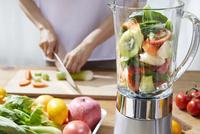 野菜ジュースイメージ 10826000772| 写真素材・ストックフォト・画像・イラスト素材|アマナイメージズ