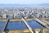 大阪市街地と淀川 十三・塚本方面