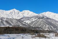 白馬の雪山の雪景色 10860000256| 写真素材・ストックフォト・画像・イラスト素材|アマナイメージズ