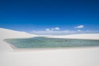 レンソイスの白砂の砂漠と湖