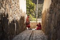 オリャンタイタンボ村の先住民ケチュア族と石畳