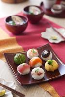 手毬寿司 10909000473| 写真素材・ストックフォト・画像・イラスト素材|アマナイメージズ